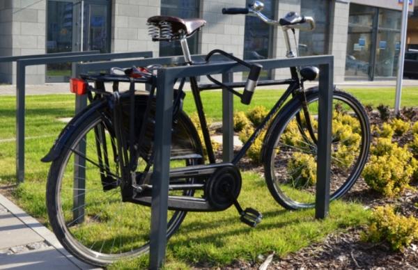 komserwis-stojaki-rowerowe-meble-miejskie-1-main