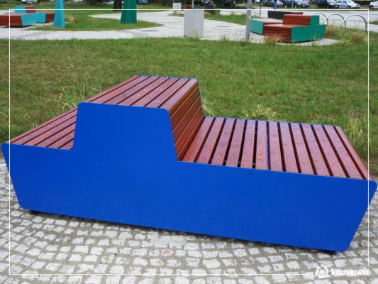 niebieska nowoczesna ławka