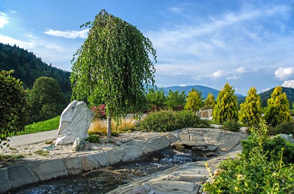 ogrody terapeutyczne mała architektura